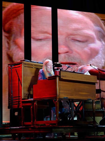 Gregg, Allman - Eric Clapton's Crossroads Guitar Festival 2013