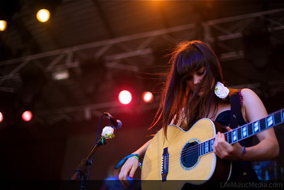 to bring a delicious little set of songs from her acclaimed record, Wonder.  Photographer: Elize Strydom