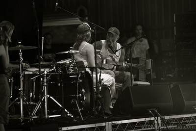 Seasick Steve singing Susie a love song  Photographer: Elize Strydom