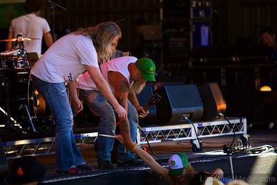 Bluesman Seasick Steve plucked a young woman named Susie from the audience.   Photographer: Elize Strydom