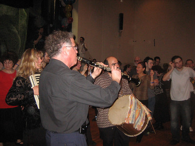 Gogofski Trio. Macedonia music played by Dave Golber, clarinet, Melinda on accordion and Henry Goldberg on tupan.