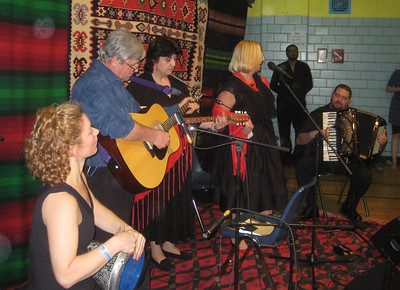 Speaking of friends who play Bulgarian music...  Druzhina with Ivan Milev on accordion.