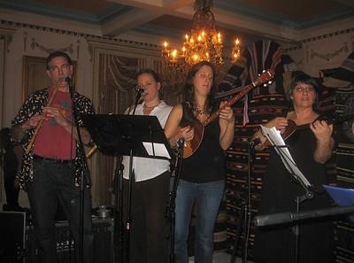 Novo Izvor.  Jeff Fine and Bridget Robbins on kaval. Kristina Vaskys and others on tambura.
