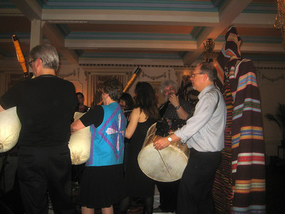In the Rainbow Room (3rd floor), Novo Izvor was playing Macedonian village music.   Bill Cope and Susan Anderson on gaida, Alan Zemel, tambura, Jerry Kisslinger, tupan and others...