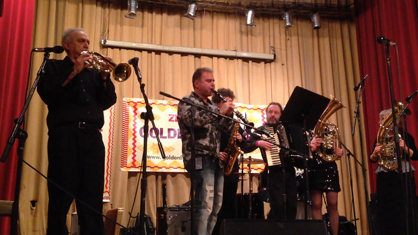 Enjoy this 46-second sample of Lefteris Bournias playing his clarinet with Kavala Brass Band.