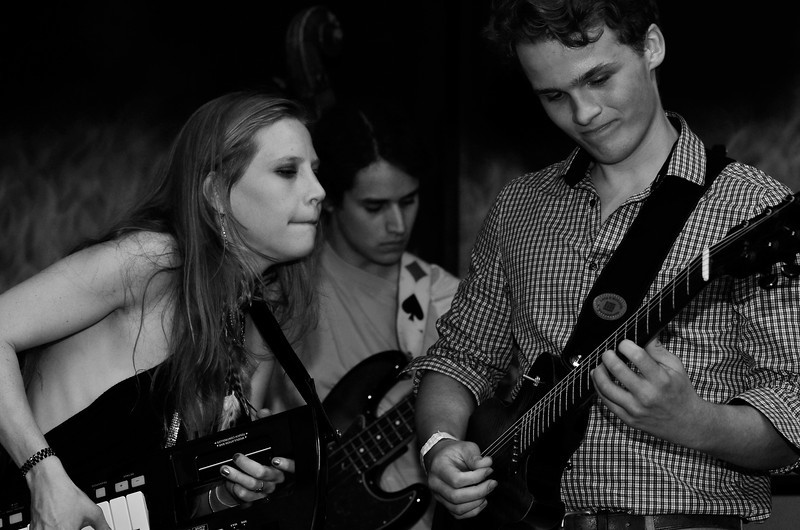 TD VIctoria International Jazzfest - Ashley Wey jammin' at Smoken Bones Cookshack.