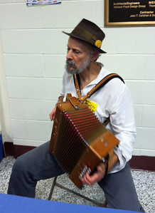 A button accordionist