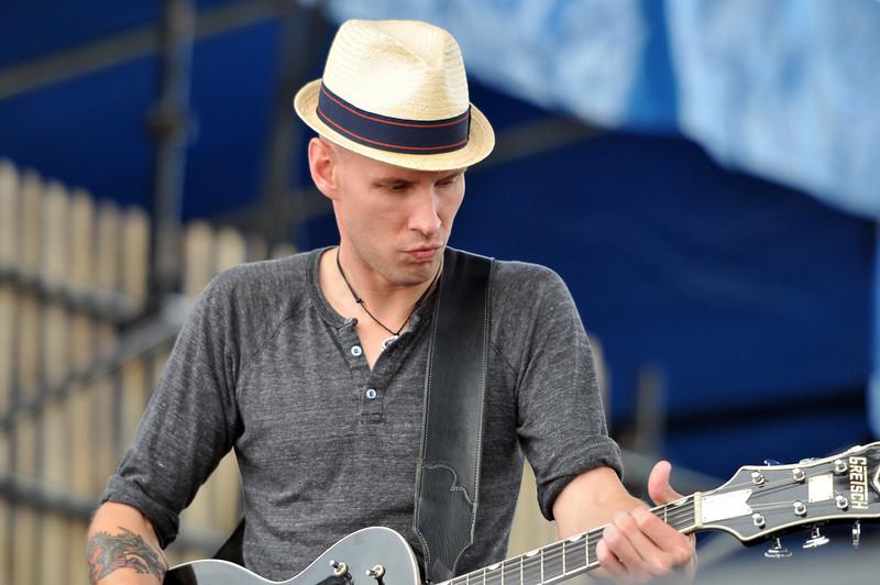Brandi Carlile guitarist