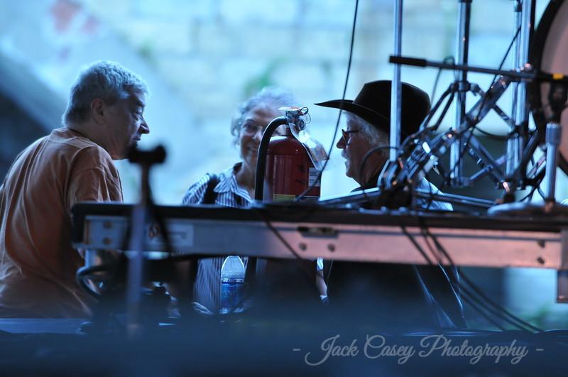 Arlo Guthrie with Bob & Margarite Jones
