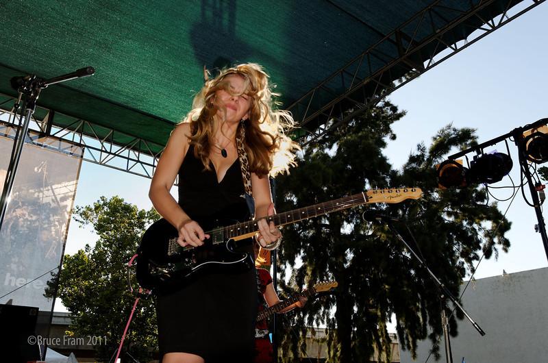 Girls with Guitars, Samantha Fish - San Jose Jazz Festival 2011