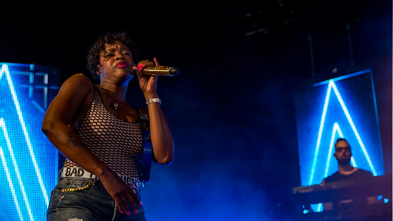 Fitz & the Tantrums opening for Young the Giant at Ruoff Home Mortgage Music Center. Photo by Tony Vasquez.