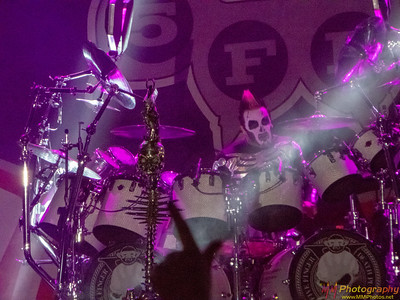 Five Finger Death Punch 004