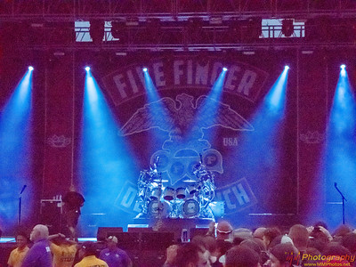 Five Finger Death Punch 002