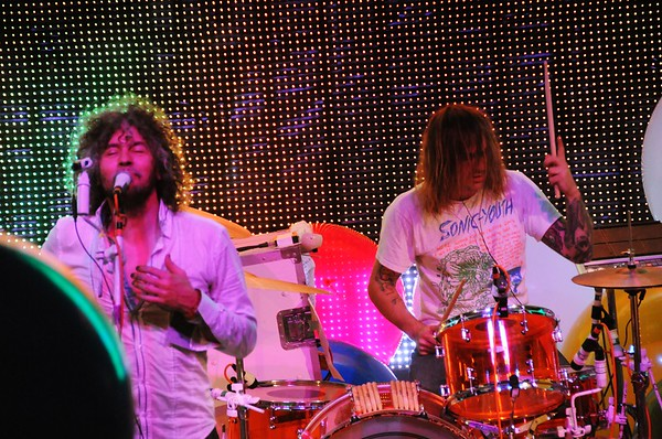 Wayne Coyne, Kliph Scurlock,The Flaming Lips, The Ryman Auditorium, Nashville,Tennessee,2011
