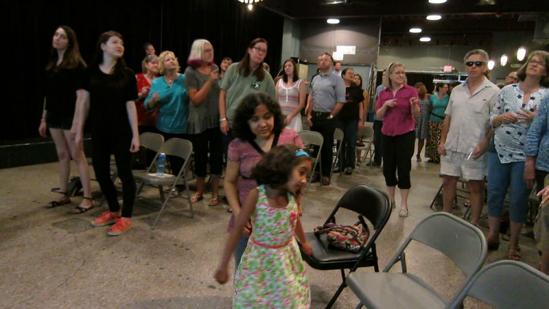 00aFavorite 20160822 (2129) Flash Chorus 10 of 10 - dress rehearsal of 'Price Tag'