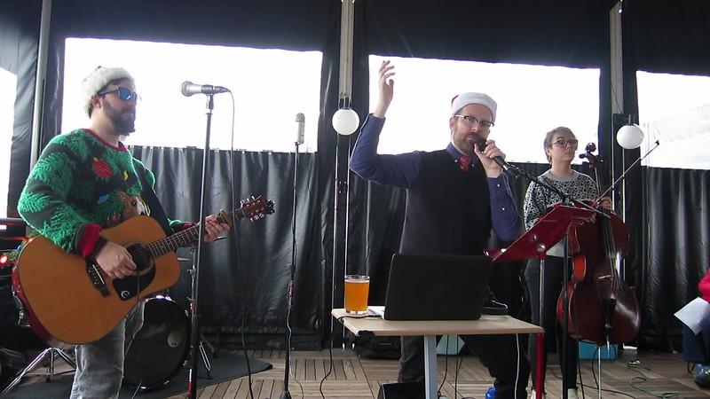 20181215 (1244) Flash Chorus 07 of 18 - harmonizing on 'Christmas'