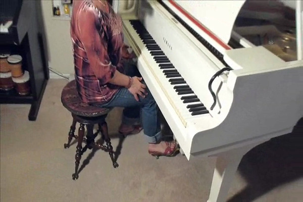 How to use sustain (right) pedal on a piano, part 2