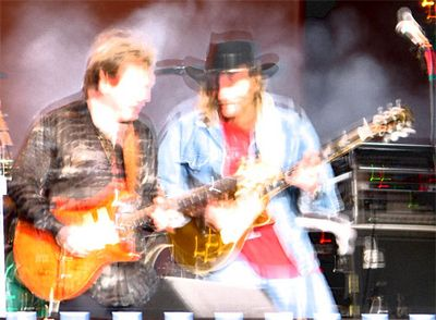 "Rick Derringer and Dickie Betts jammin' on ""Southbound"""