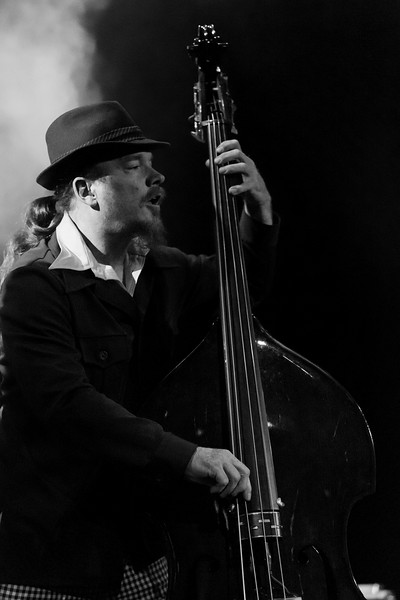 Jim Prescott on bass