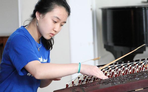 Francesca Mei, yangqin (揚琴:梅靜藍) Photo by Chi-Sun Chan
