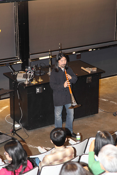 Playing the biggest and lowest suona of that day 2012-12-01 YaZhi Guo Suona Seminar
