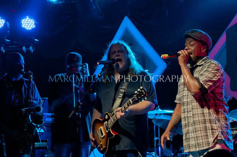 Can't You Hear Me Knocking<br /> <br /> Galactic feat. Warren Haynes & Corey Glover (Wed 6/22/11)