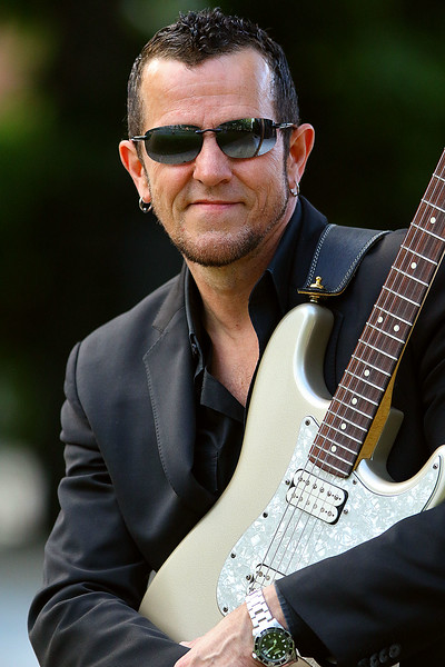 Gary Hoey and Charlie Farren to Play in Lowell