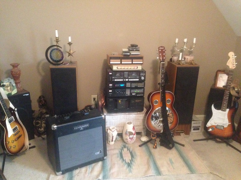 Hondo 737, Savannah Resonator, Squier Stratocaster