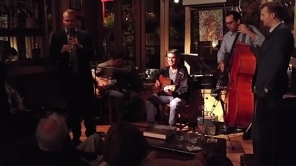 Guitars: Roni Ben-Hur, Pedro Rodriguez, Bass: Josh Marcum , Clarinet: Linus Wyrsch, Flute ?.....>Blues in the Closet !
