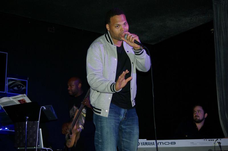 Eric Roberson (recording artist).
