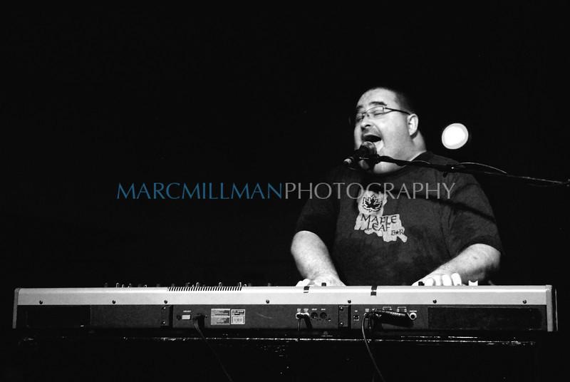 Sing it John! (Papa Grows Funk- Sullivan Hall- Fri 6/4/10)