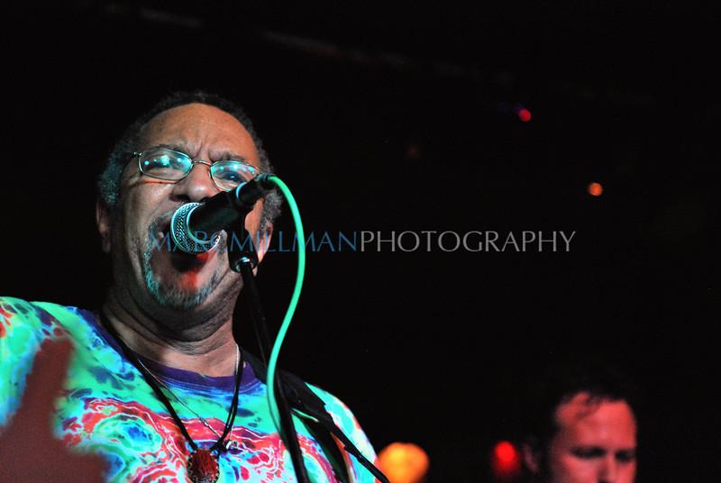 Sing it George (George Porter Jr & Runnin' Pardners- Sullivan Hall- Fri 6/4/10)