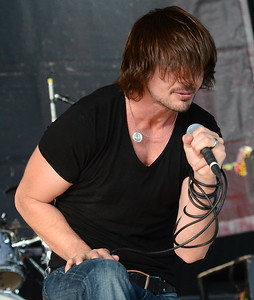 ADELITAS WAY ENERGY DRINK ROCKSTAR FESTIVAL NORTH JERSEY