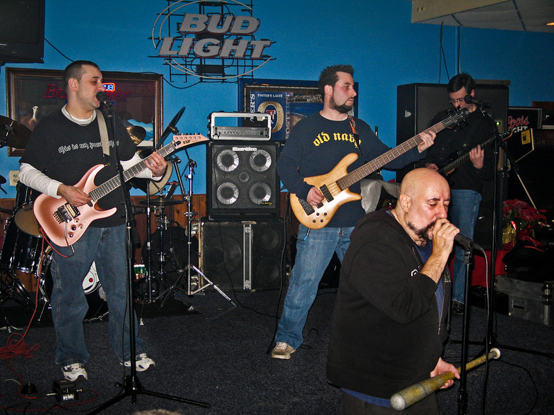 Good Rats live in Piscataway NJ 2005 along with super fan guest guitarist Phil Sasso. RIP Peppi 1945-2013 We will miss you, Rat On!