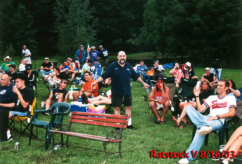 Peppi and Fans Ratstock V 2003