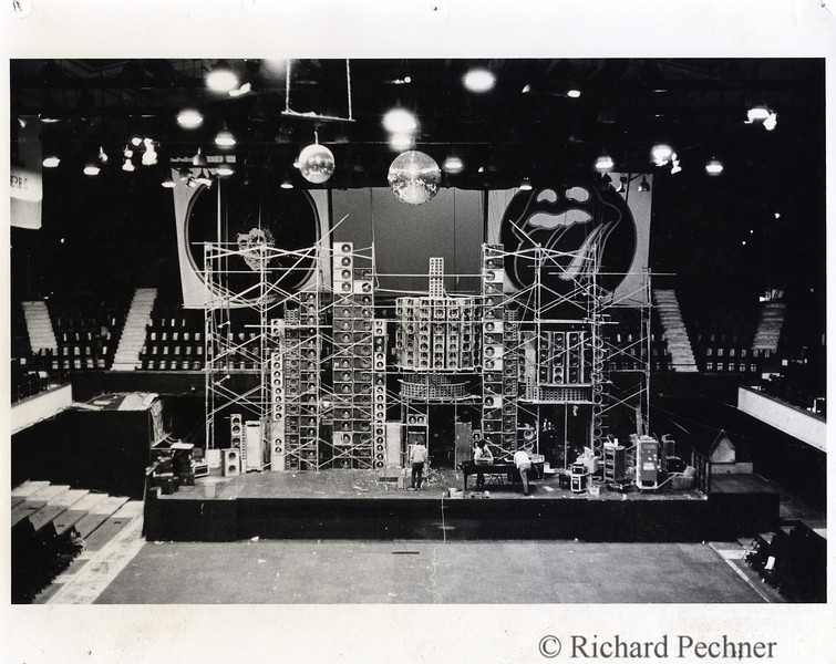 Winterland, 2.23.1974.  Early version of Wall of Sound, awaiting the finish of the 2 piece  Center Cluster.  Full frame.