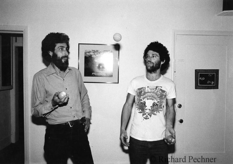Danny Rifkin & Richie Pechner juggling at  Bob Seidemann's in LA. Photo by Bob Seidemann