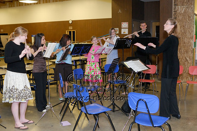 Marcy Lohman conducts the Metropolitan Youth Symphony Youth Choir