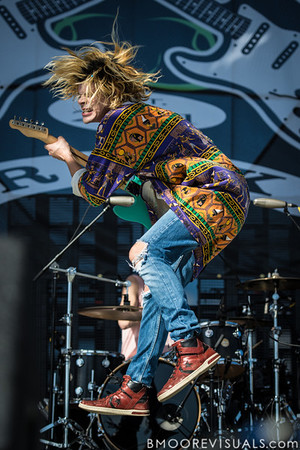 Christian Zucconi of Grouplove performs on December 1, 2012 during 97X Next Big Thing at Vinoy Park in St. Petersburg, Florida