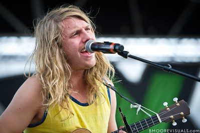 Andrew Wessen of Grouplove performs on December 3, 2011 during 97X Next Big Thing at 1-800-ASK-GARY Amphitheatre in Tampa, Florida