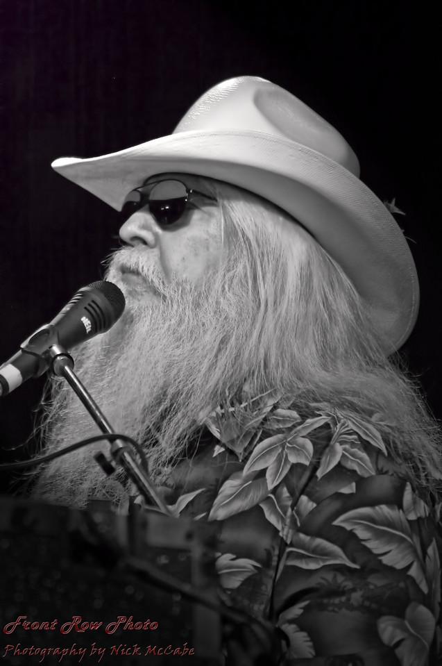 "Leon Russell - 2011 <a href=""http://rockhall.com/inductees/leon-russell/"">Leon Russell: inducted in 2011at RockHall.com</a>"