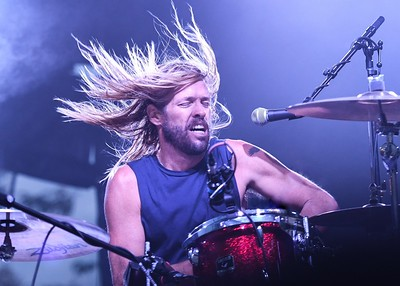 TAYLOR HAWKINS OF THE FOO FIGHTERS WITH HIS BAND CHEVY METAL