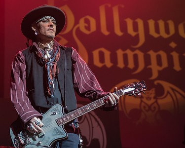 JOHNNY DEPP WITH THE HOLLYWOOD VAMPIRES  IN ATLANTIC CITY