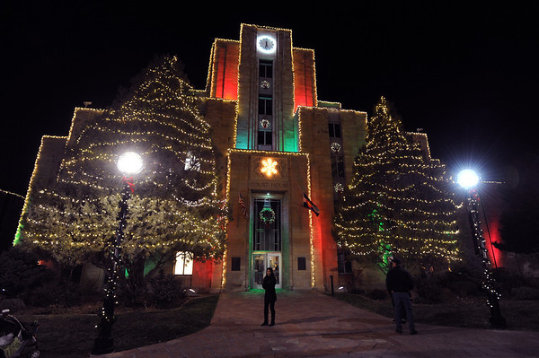 the lights on the downtown boulder courthouse are now on for the holidays - Pearl Christmas Lights