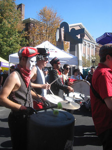drummers in Hungry March