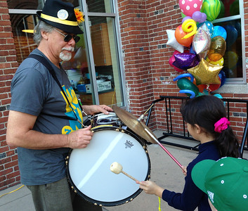 Jeff let kids play his bass drum.  My drum also attracted attention; see a photo in Honk's Flickr album