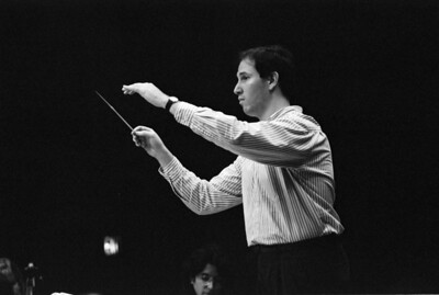 HSO, Sep 1992: Music Director Jed Gaylin (at bottom, Lynn Glicklich, cello)