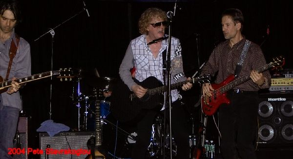 (L to R) Jack Petruzzelli, Ian Hunter, and Graham Maby