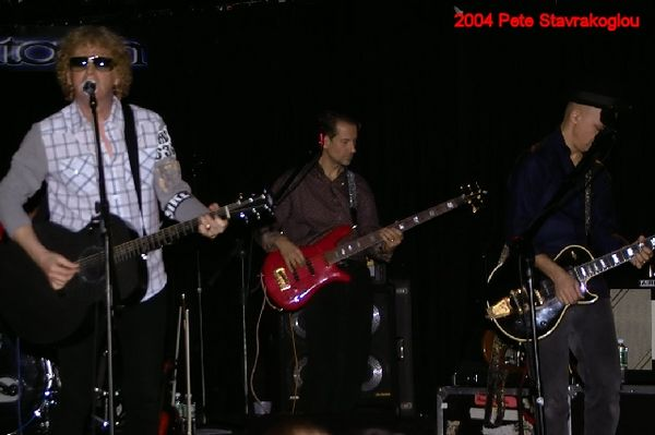 (L to R) Ian Hunter, Graham Maby, and James Mastro