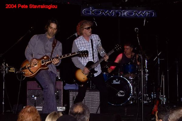 (L to R) Jack Petruzzelli, Ian Hunter, and Steve Holley